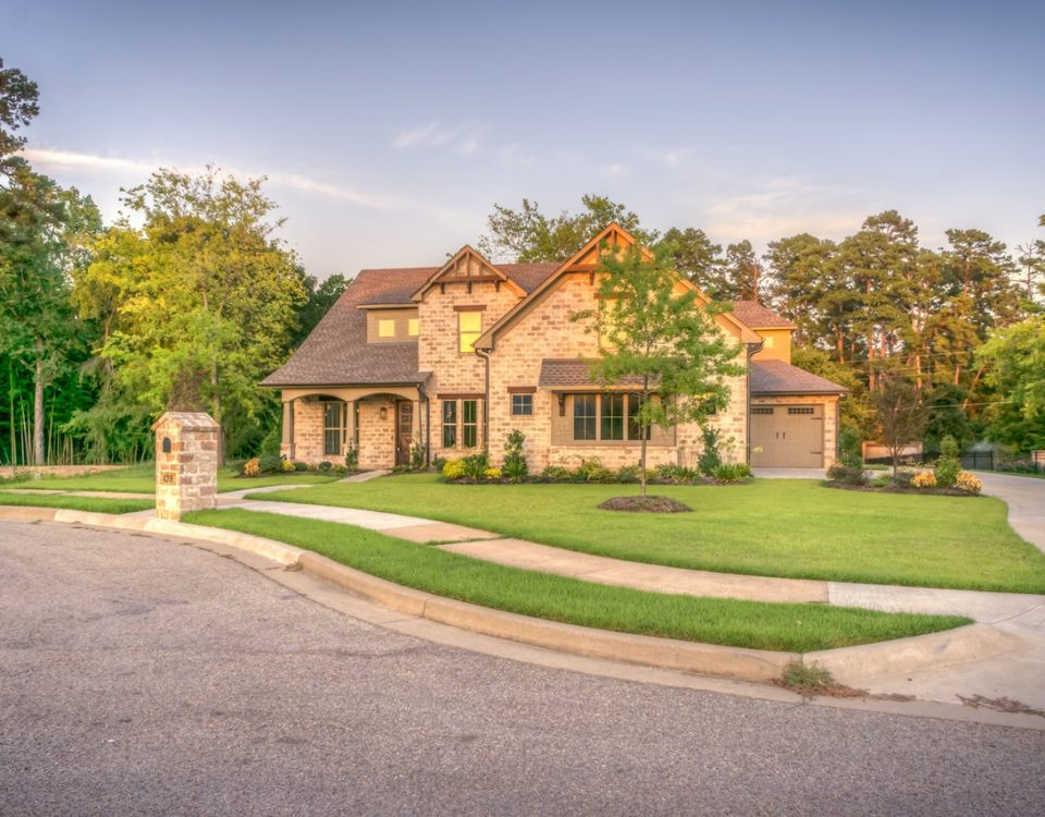 front lawn landscaping
